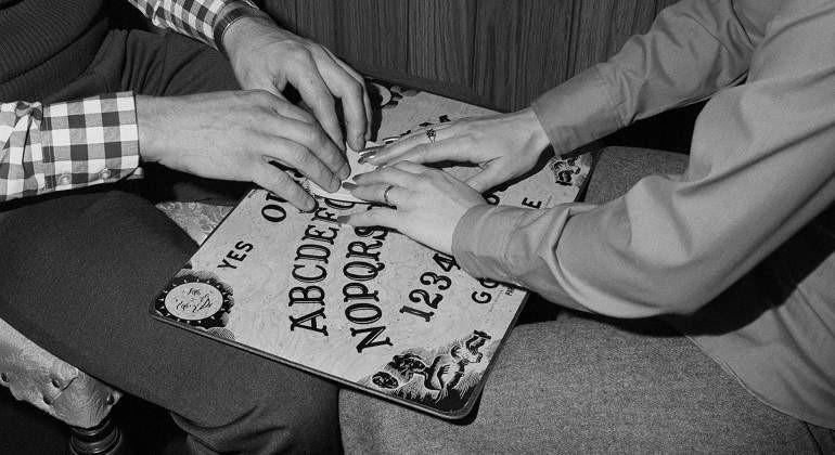 El tablero de la Ouija de Parker Brothers sobrepasó en popularidad al mítico Monopoly