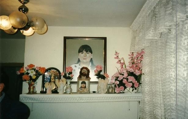 Altar en la casa de la familia Gutiérrez Lázaro dedicado a la memoria de Estefanía