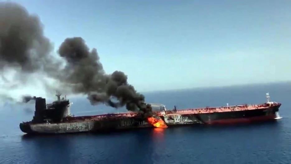 El buque Front Altair luego del ataque que sufrió