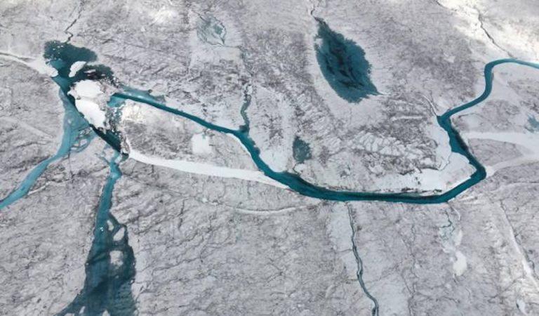Hallan más de 50 lagos subglaciales bajo la capa de hielo de Groenlandia