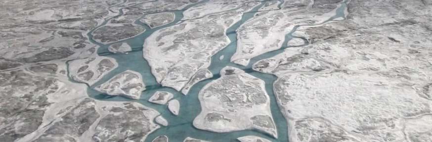 Hallan más de 50 lagos subglaciales bajo de la capa de hielo de Groenlandia