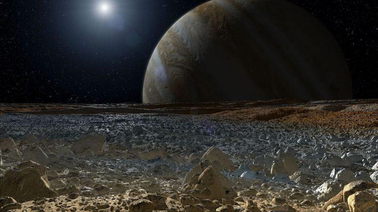Posible vida en Europa la luna de Júpiter: descubren sal en su superficie