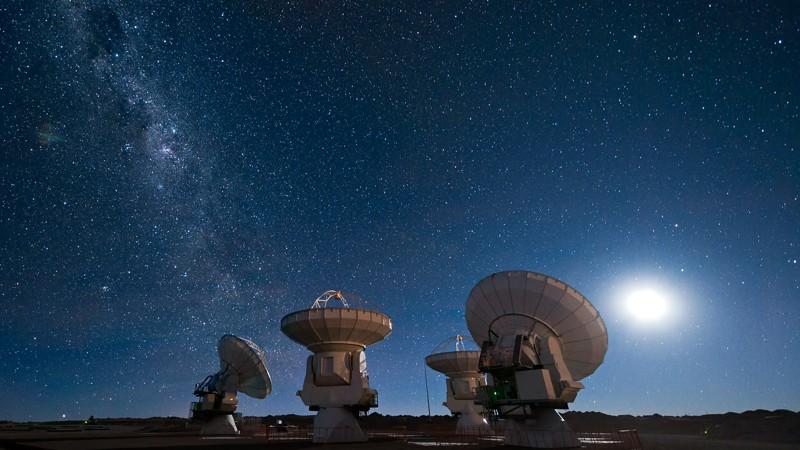 ¿Cómo debemos responder al contacto alienígena? Científicos preguntan al público