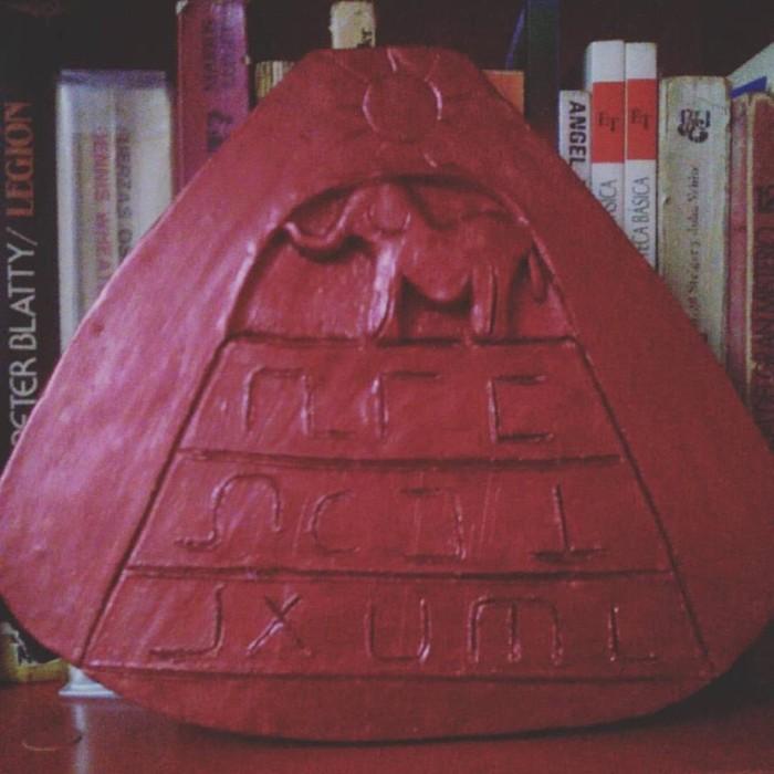 Placa representando, una de las enigmáticas planchas Crespi