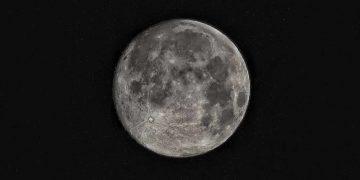 La Luna es mucho más vieja de lo que pensábamos, descubren investigadores