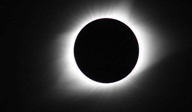 Eclipse Solar EN VIVO ahora: espectáculo en el cielo