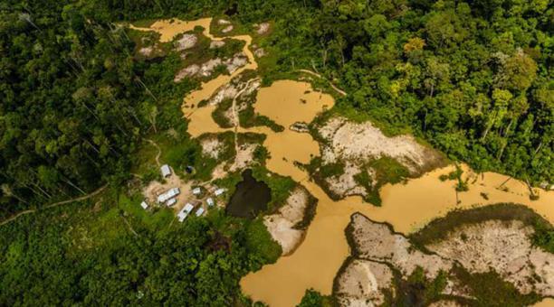 Evidencia de la minería ilegal en Brasil
