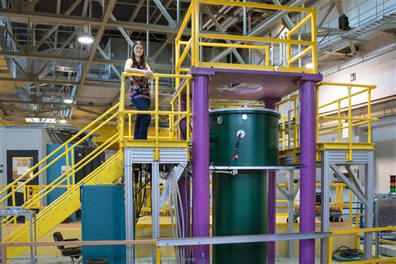 Leah Broussard en el Oak Ridge National Laboratory