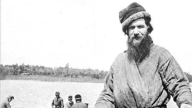Rasputín. Bancos del río Tura, Siberia, 1900