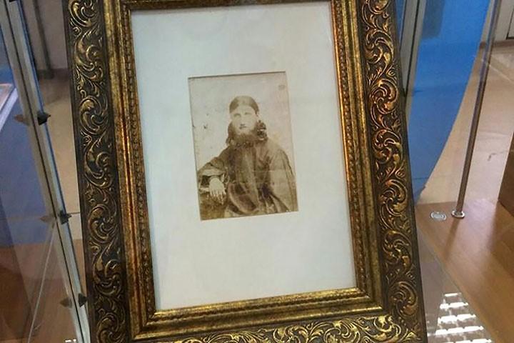 Uno de los retratos más antiguos, que se conocen sobre Rasputín