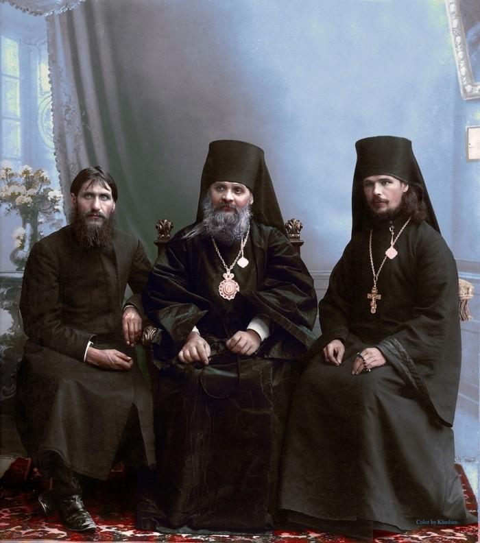 Grigori Rasputin, el obispo Hermogen y Hieromonk Iliodor, en Tsaritsyn, 1909