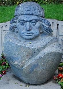 Estatua del legendario Huyustus