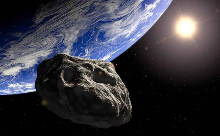 Tres asteroides se acercarán a la Tierra este 24 de julio. Uno tan grande como la Pirámide de Giza