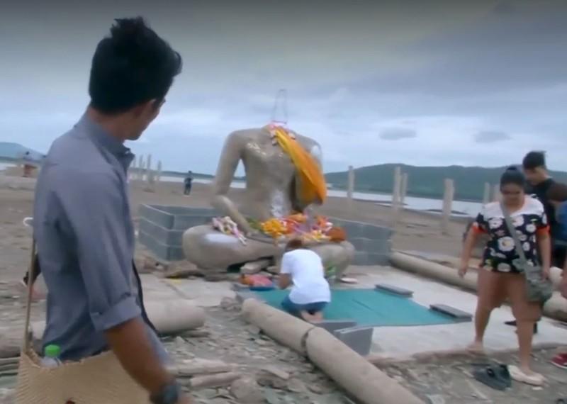 Vista del templo anteriormente sumergido en las aguas