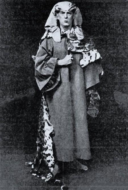 Crowley ataviado como Osiris resucitado, 1899