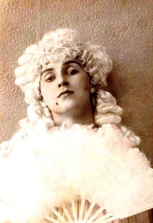 Uno de los grandes amores de Crowley, el transformista Herbert Charles Jerome Pollitt
