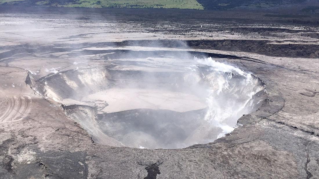 Aparece gran cantidad de agua en un volcán en Hawaii e investigadores no pueden explicarlo