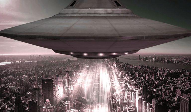 Testigo afirma que un OVNI dejó sin señal de celular a una provincia de Argentina