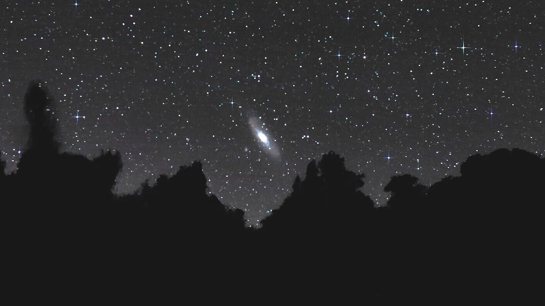 Galaxia Andrómeda vista desde los cielos del Sur