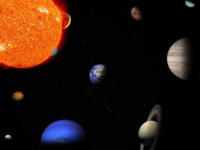 Planetas en el Sistema Solar (Júpiter, el más grande a la derecha)