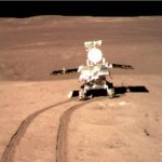 Vehículo lunar chino halla una rara sustancia «similar a un gel» en la Luna