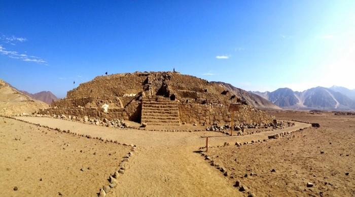 La asombrosa Pirámide Mayor, donde Ruth Shady Solís, hiciera sus primeras prospecciones en Caral