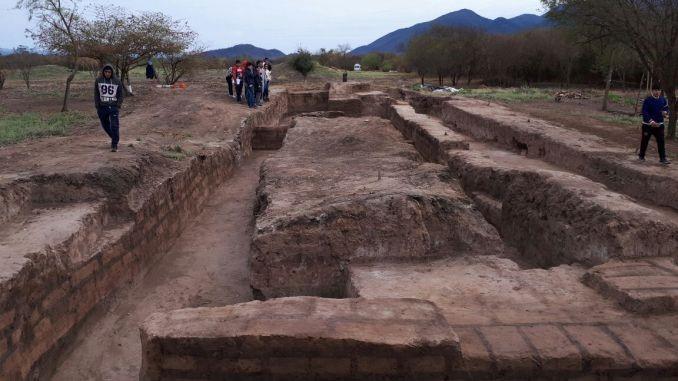 Restos de la ciudad perdida de Esteco, provincia argentina de Salta, que emergieron a la luz en 1999