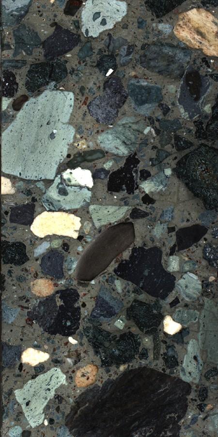Una porción de los núcleos perforados de las rocas que llenaban el cráter dejado por el impacto del asteroide que aniquiló a los dinosaurios