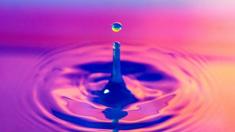 El agua produce peróxido de hidrógeno espontáneamente, descubren químicos de Stanford