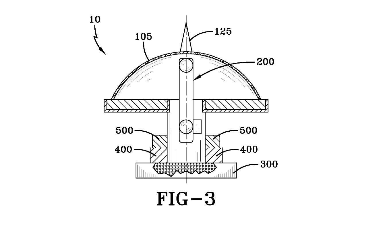 Una imagen del generador de campo electromagnético de alta energía de la patente. Se afirma que la protuberancia en la parte superior (125) «genera un escudo de plasma ciclónico, que amplificaría en gran medida la intensidad del campo electromagnético producido»