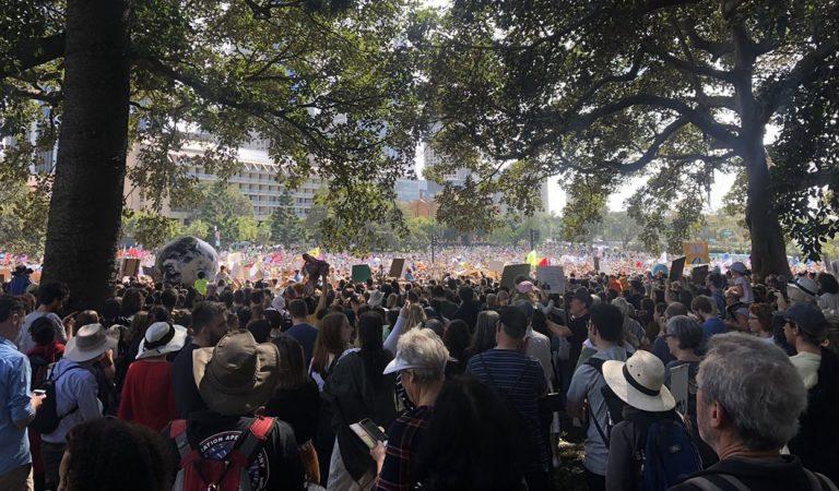 Millones se unen a la mayor protesta climática de la historia #ClimateStrike