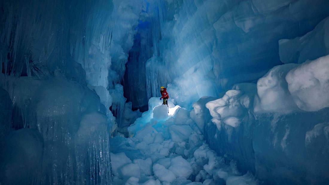 El mundo subterráneo bajo la Antártida con lagos, ríos y aves