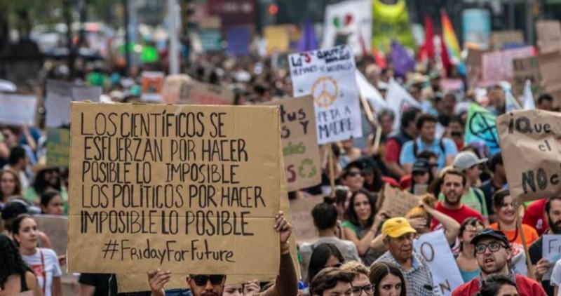 Protestas en avenida Reforma en Ciudad de México