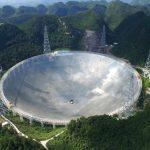 Radiotelescopio de China detecta «señales alienígenas» repetitivas provenientes del otro lado del espacio