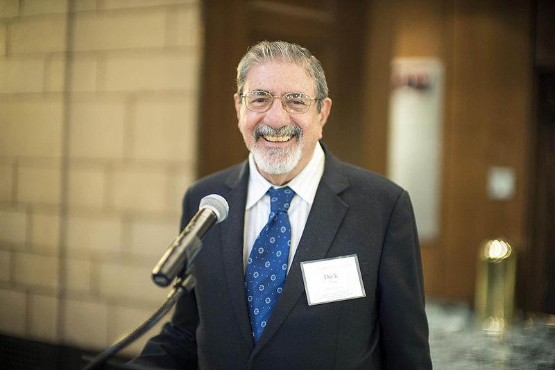 Richard Zare, profesor de química en la Escuela de Humanidades y Ciencias de Stanford