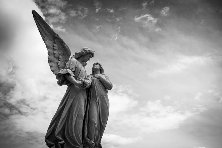 Algunos investigadores asocian la figura de los nephilim con la de los ángeles