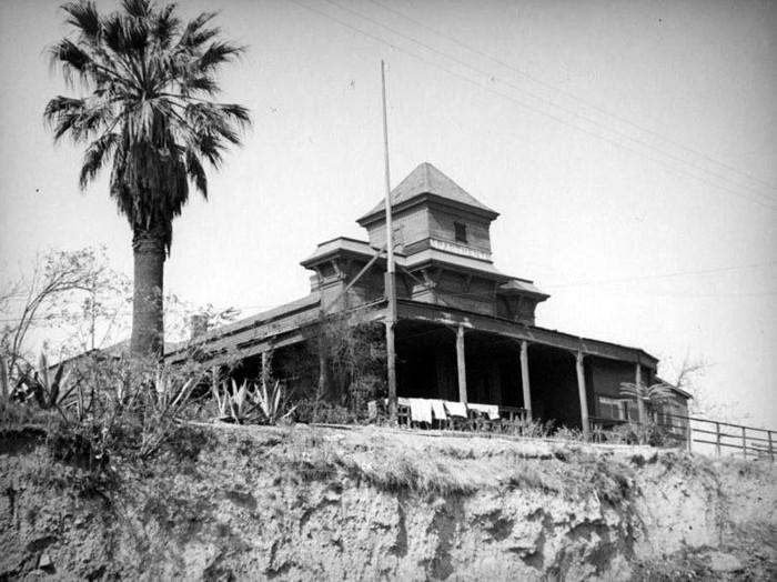 Fort Moore Hill, la colina dorada