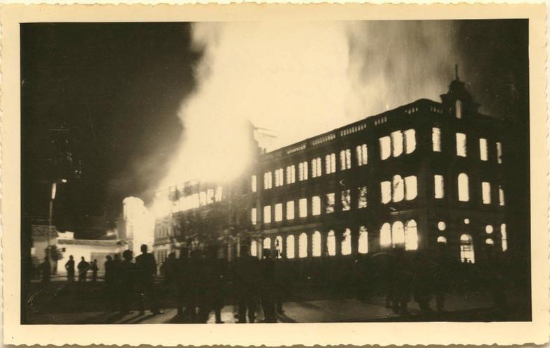 Imágenes del incendio que en 1962 hiciera arder al hermoso edificio, Instituto Cornelio Marechán Tapia. ¿Fue obra de un atentado?