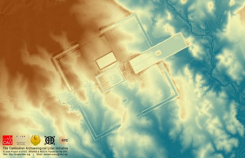 Modelo digital del terreno de Preah Khan de Kompong Svay: aproximadamente 120 km2 de terreno visto a través de los árboles y toda otra vegetación, mostrando relieve topográfico