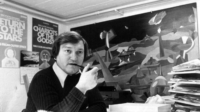 Erich von Däniken, retratado en 1975. Uno de los autores de misterios más polémicos del último siglo