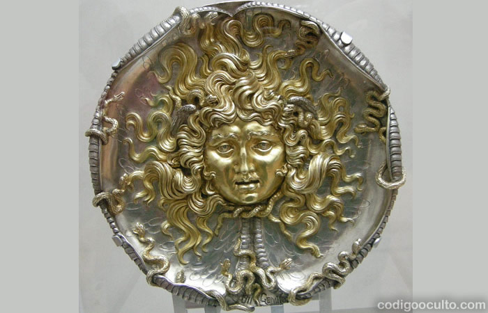 Una placa en relieve de Medusa, 1911