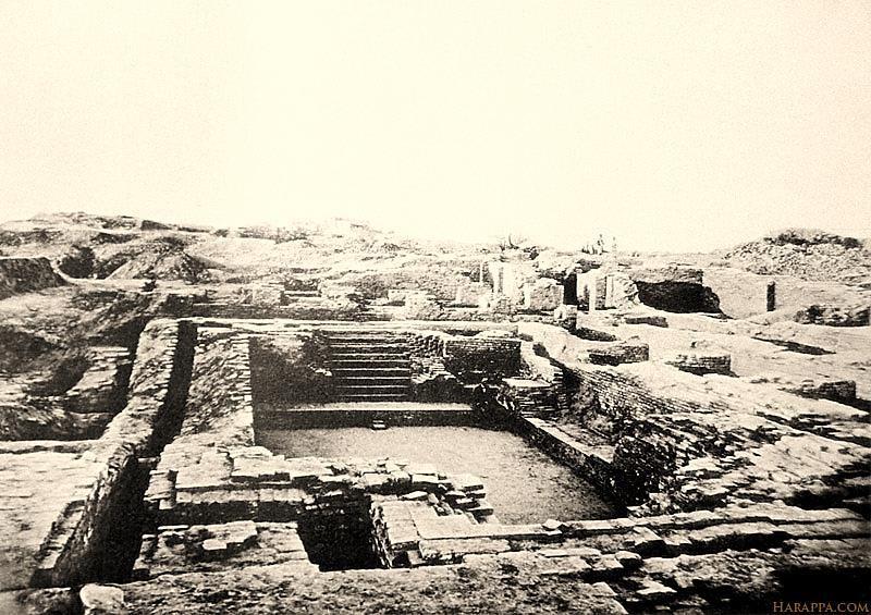 Una de las estructuras más hermosas de Mohenjo Daro, el Gran Baño, donde se cree practicaba la medicina hidropática