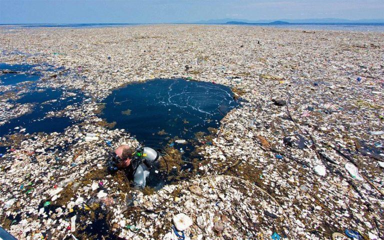 Momoa enfatizó la problemática del Parche de Basura del Océano Pacífico que ha incrementado su tamaño