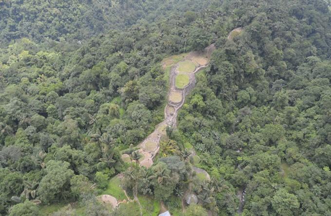 Ciudad perdida: Vista aérea de la parte alta del filo, eje central de Teyuna