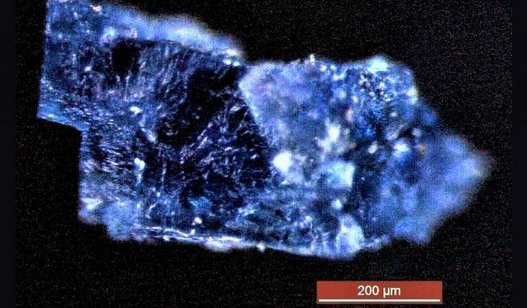 Científicos descubren fósiles de hielo dentro de un antiguo meteorito