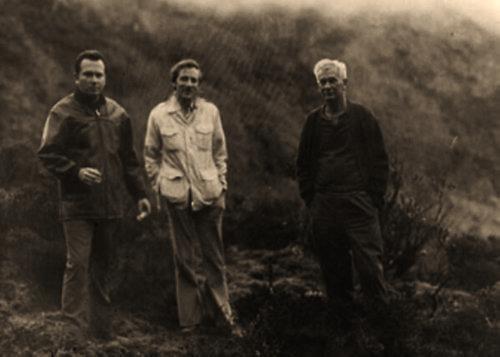 Stanley Hall flanqueado por Gerardo Peña Matheus, y János Móricz