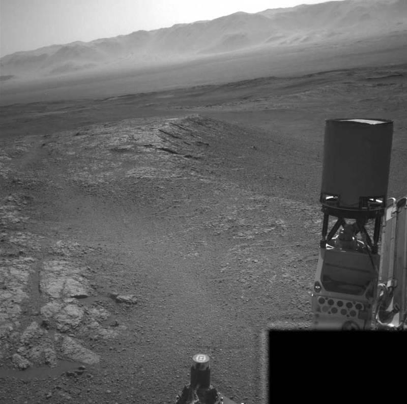 Curiosity envía una sombría imagen de Marte