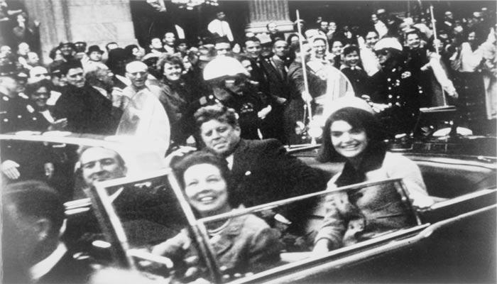 Foto previa al asesinato de John F. Kennedy