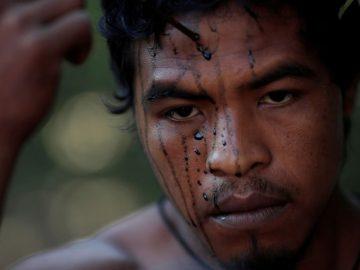 Indígena guardián de la Amazonía en Brasil es asesinado por madereros ilegales