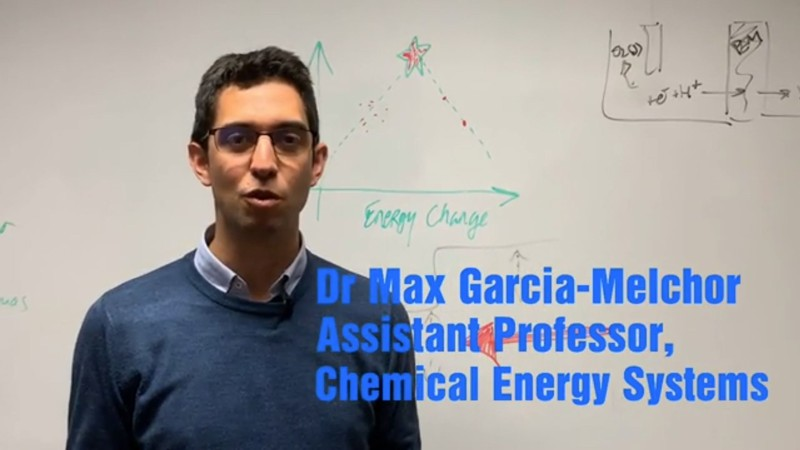 Dr. Max García-Melchor, profesor asistente de química en Trinity y autor principal